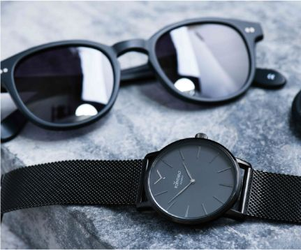 Black Accesories | Black Sunglasses | Black Watch | Mens Watch | Sunglasses For Men | All Black Watch | Wayfarer Sunglasses | Pointaro Geneva