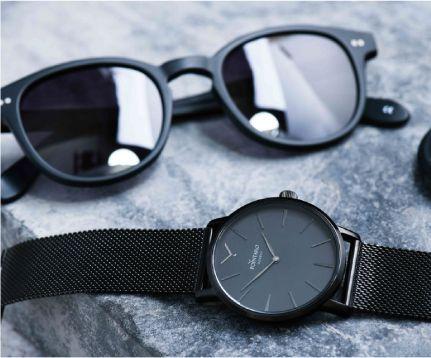 Black Accesories | Black Sunglasses | Black Watch | Mens Watch | Sunglasses For Men | All Black Watch | Wayfarer Sunglasses | Pointaro Geneva